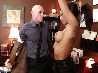Light Skin Kayla With Big Titts Fucks Bold Milky Dude In The Library