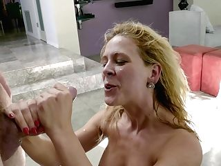 Dude Fucks Face, Cootchie And Caboose Crevasse Of Sexiest Bombshell Cherie Deville