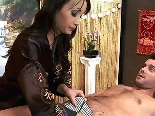 Katsuni's Needle Therapy Takes Oral Form