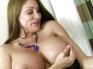 Yankee Cougar Sheila Plays With Nylon And High Stilettos
